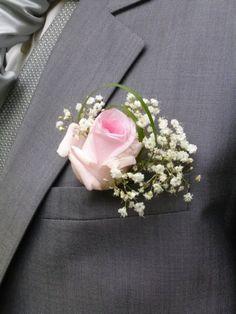 Boutonnieres - Bouquets de demoiselles d'honneur, fleurs et bouquets pour les témoins - Bracelet floral - Fleurs pour le cortege