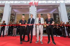 H&M Opens First South African Store | El Broide V&a Waterfront, Swedish Brands, The V&a, African, Fashion Outfits, Store, Clothes, Outfits, Fashion Suits