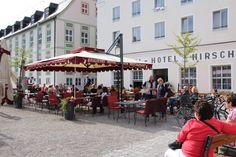 Hotel Brauerei Hirsch *** Ein perfekter Standort für Erholungssuchende Auf dem Marktplatz der traditionsreichen Stadt Ottobeuren steht die Akzent Brauerei Hotel Hirsch. Von hier gelangen Sie nach einem kurzen Spaziergang zur sehenswerten Barockbasilika und den ersten Kneippschen Anwendungsmöglichkeiten. Ein Tagesausflug nach München dauert circa 45 Autominuten.
