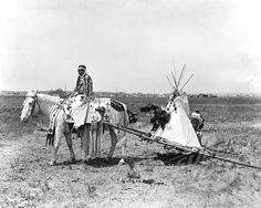 Montana: 1926. A Flathead Native American pulls her children on a travois on her way to the settlement in Montana where they will depart for the Chicago Rodeo.There they will pitch their camp in Grant Park and engage in tribal contests of skill and horsemanship.