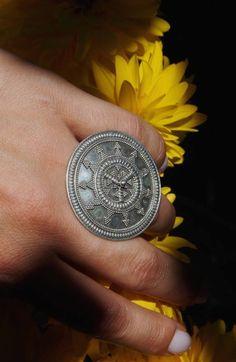 Soarele, în toată strălucirea lui. India, Class Ring, Personalized Items, Rings, Summer, Jewelry, Style, Jewerly, Swag