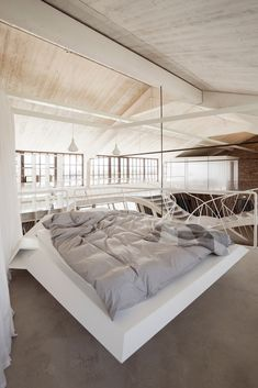 Gallery of 14 Bedrooms to Fall In Love With on Valentine's Day - 9