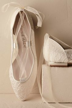 8a4da6883d4b 10 Flat Wedding Shoes (That Are Just As Chic As Heels)