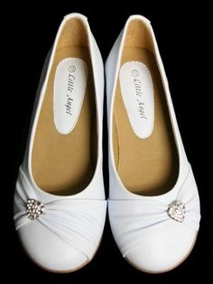 Ivory Childrens Flat Shoes w/ Rhinestone Heart Style: Ivory flats Side pleats & rhinestone heart Insole cushion Toddler sizes come w/ strap First Communion Shoes, Holy Communion Dresses, Little Girl Shoes, Baby Girl Shoes, Flower Girl Dress Shoes, Flower Girls, Girls Wedding Shoes, White Flat Shoes, Princess Dress Kids