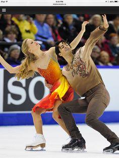 Kaitlyn Weaver & Andrew Poje at Skate Canada 2014