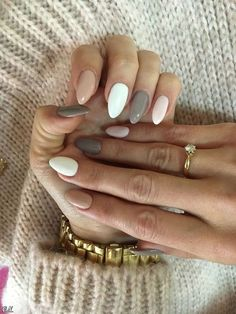 56 Perfect Almond Nail Art Designs for This Winter - Almond Nails Classy Nails, Trendy Nails, Classy Almond Nails, Colorful Nail Designs, Nail Art Designs, Popular Nail Designs, Ongles Beiges, Minimalist Nails, Cute Acrylic Nails