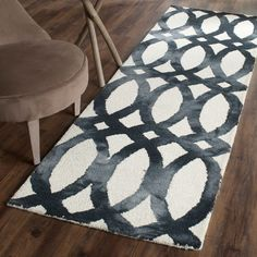 Dip Dye Collection DDY675D Color: Ivory / Graphite - #safavieh #safaviehrugs #safaviehrunners #rugrunners #rugs #hallwayrugs #entrywayrugs #staircaserugs #staircasecarpets #entrywaycarpts #bedroomrugs #livingroomrugs #diningroomrugs #kitchenrugs #hallwaydecor #entrywaydecor #shoprugs #runnercarpets #bluerunnerrug #tauperunnerrug