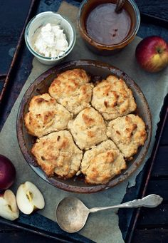 There I Stood [Rum-Spiked Caramel Apple Cobbler]