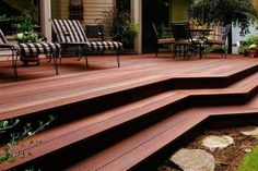 Check out these beautiful ideas for bangkirai wood deck and get inspired for the design of the private patio area in the garden. Set up a beautiful wooden Design Patio, Terrasse Design, Home Garden Design, Exterior Design, Balau Decking, Porches, Hardwood Decking, Kyoto, Outdoor Living