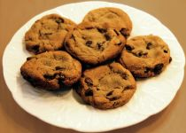 Super Easy Sugar Free Chocolate Chip Cookies http://www.foodada.com/desserts/cookies/super-easy-sugar-free-chocolate-chip-cookies/