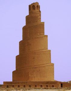 La Gran Mezquita de Samarra se construyó entre el año 848 y el 851 por el califa abasí Al-Mutawakkil . Mezquita Abasi. Organic Architecture, Amazing Architecture, Art And Architecture, Tower Of Babel, Historical Monuments, Travel Light, City Buildings, Ancient Civilizations, Islamic Art
