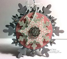 Stampin' With Leah: Sunny Challenges & Creations 086/13. Shaped card. Festive Flurry.