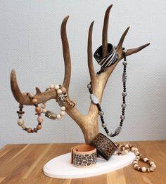 Smyckeshållare av renhorn – Slöjd-Detaljer | reindeer antler jewelry display  | followpics.co