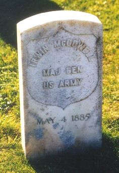 He is best known for his defeat in the First Battle of Bull Run, the first large-scale battle of the American Civil War. American War, American History, Us Army General, Tombstone Epitaphs, Greenwood Cemetery, Stonewall Jackson, Pet Cemetery, Famous Graves, Old Cemeteries
