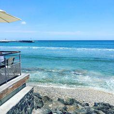 Ballade #beach #beautifulplace #plage #playa #rochesnoires #saintgilles #iledelareunion #reunionisland #lareunion #landscape #larun #lagon #vagues #mer #océan #islandgirl #islandlife #island #team974 #gotoreunion #974island #paradise #paradisiaque #tropiques #instalike #instamoment #instapaysage by fab__ie