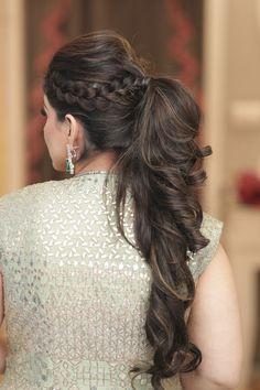 Long Hair Wedding Styles, Front Hair Styles, Medium Hair Styles, Curly Hair Styles, Pony Hairstyles, Indian Hairstyles, Bride Hairstyles, Mehndi Hairstyles, Lehenga Hairstyles