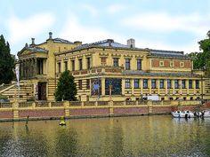'Staatliches Museum Schwerin - 2' von Dirk h. Wendt bei artflakes.com als Poster oder Kunstdruck $18.03