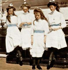 Thr four Romanov sisters.A♥W