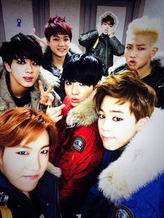 bts selca RapMon V Jungkook Jimin J-hpoe Suga Jin Jungkook V, Bts Selca, Kim Namjoon, Jung Hoseok, Bts Bangtan Boy, Taehyung, Foto Bts, K Pop, Bts 2014