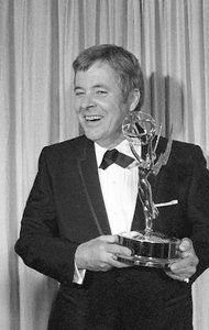 William Windom, Emmy winner and star of 'My World and Welcome to It', has died at age 88 - NYTimes.com