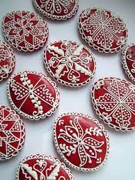 Kapcsolódó kép Gingerbread Decorations, Gingerbread Cookies, Egg Decorating, Happy Easter, Painted Rocks, Easter Eggs, Sugar, Desserts, Patterns