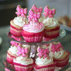 Bows cupcake