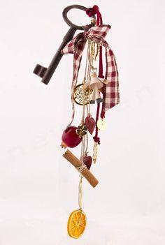 DIY γούρια 2015 με υλικά NewMan | bombonieres.com.gr Christmas 2016, Christmas Design, Christmas Angels, Christmas Crafts, Merry Christmas, Christmas Decorations, Christmas Ornaments, Christmas Ideas, Xmas Gifts