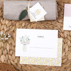 Marque-table mariage Instant fleuri by Tomoë pour www.fairepart.fr #rosemood #atelierrosemood #wedding #weddingtable