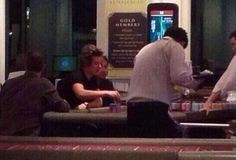 1D Updates Sweden ‏@LatestAbout1D  NEW PIC: Harry playing poker this morning