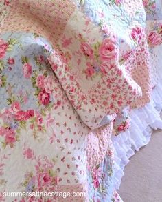 Shabby Chic Beach Cottage Bedding Linens Rachel Ashwell Duvet Quilt Chenille Bedspread Shower Curtain Vintage Romantic Homes