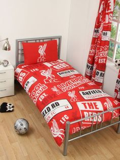 This Liverpool FC Patch Single Duvet Cover and Pillowcase Set features a funky design that includes the club crest and Anfield Street Sign! FREE UK P+P available