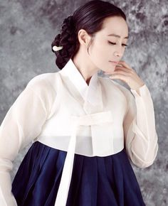 한복 hanbok : korean traditional clothes dress 한 Korean Traditional Clothes, Traditional Fashion, Traditional Dresses, Korean Fashion Teen, Korean Street Fashion, Asian Fashion, Korean Dress, Korean Outfits, Korean Beauty