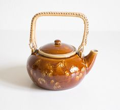 Vintage Porcelain Teapot Cozy Caramel Toned Fall by Wohnstadt