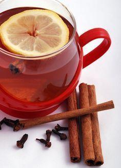 Contre mal de gorge: eau bouillante + clous de girofle + bâton de cannelle. Infuser 10 min. + 1 jus citron et miel. Filtrer. (Une X/ jr jusqu'à guérison.)
