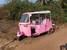 Pink tuk-tuk, Goa