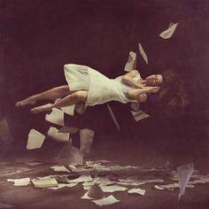 Levitation Photography: 65 Stunning Examples & Tutorials