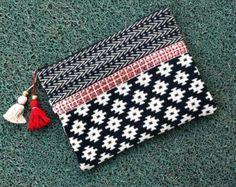 BLACK & White TRIBAL CLUTCH bag woven fabric clutch, Aztec pattern, geometric colourful red tassel trendy bag India hippie clutch bohemian