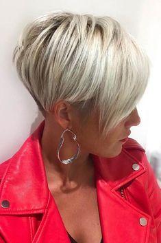 Messy Pixie Haircut, Pixie Haircut Styles, Short Haircuts With Bangs, Longer Pixie Haircut, Long Pixie Hairstyles, Short Hair With Bangs, Short Hair With Layers, Short Hair Cuts For Women, Hairstyles With Bangs