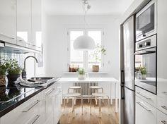 Post: Decoración sencilla sin complicaciones ---> blog decoracion interiores, cocinas blancas nórdicas, cocinas blancas pequeñas, decoración en blanco, decoración nórdica, decoración pisos pequeños, decoración sencilla con estilo
