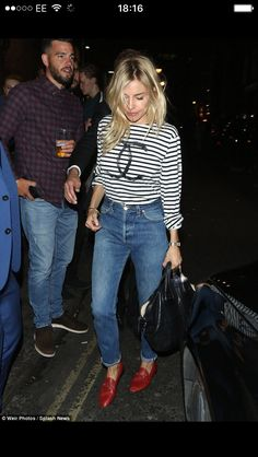 Très chic  Sienna Miller stole the show both onstage and off on Saturday  night as she made a casually stylish departure from the Apollo Theatre a30f6df6fd