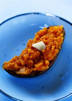 These stuffed sweet potatoes with bacon are an amazing accompaniment to any dinner!