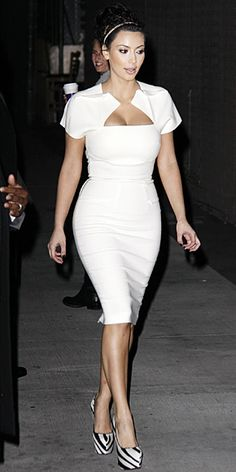 Kim Kardashian and her family have been everywhere lately. You turn on the TV and you must see Kim Kardashian or one of her sisters. Kim Kardashian White Dress, Kardashian Style, Kardashian Dresses, Kardashian Beauty, Kardashian Fashion, Kardashian Family, Kardashian Kollection, Sexy Dresses, Beautiful Dresses