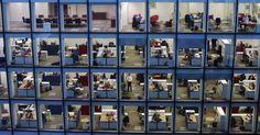 La utopía del orden en la oficina Las nuevas tecnologías están terminando con la cultura del desorden. Los escritorios han dejado paso a la nube donde todo está a la vista.