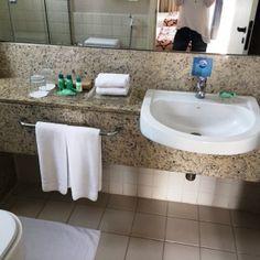 Banheiro do quarto Hotel Radisson Faria Lima