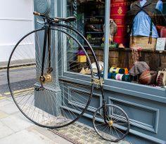 Penny Farthing Trike Scooter, Tweed Run, Antique Bicycles, Penny Farthing, Bicycle Shop, Big Wheel, Xiamen, Bike Art, Vintage Bicycles