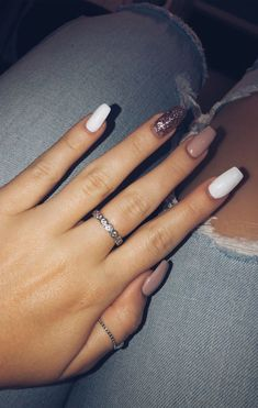 Rose gold gel nails long pink white rose gold sparkle Rose gold gel nails long pink white rose gold sparkle gold Nails Rose gold gel nails long pink white rose gold sparkle - New Ideas Gold Sparkle Nails, Gold Gel Nails, Gold Nail Art, Aycrlic Nails, Rose Gold Nails, Summer Acrylic Nails, Best Acrylic Nails, Cute Nails, Manicure