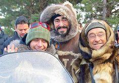 Gennaio 2006. Valentino Rossi, Luciano Pavarotti e Lucio Dalla sull'appennino modenese per un'iniziativa benefica. Ansa