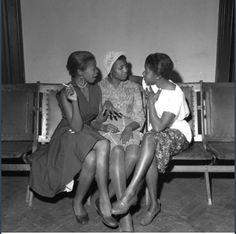 Ranjith Kally, African Jazz, 1957, Miriam Makeba with two ladies