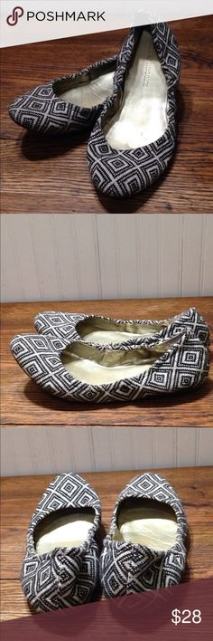 Audrey Brooke black & white Lydia flats size 8.5 Audrey Brooke black & white Lydia flats size 8.5, textile uppers, color is more of a black and off white, good condition Audrey Brooke Shoes Flats & Loafers