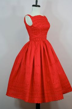 #dress #romantic #feminine #fashion #vintage #designer #classic #dramatically #partydress #frock #highendvintage #red